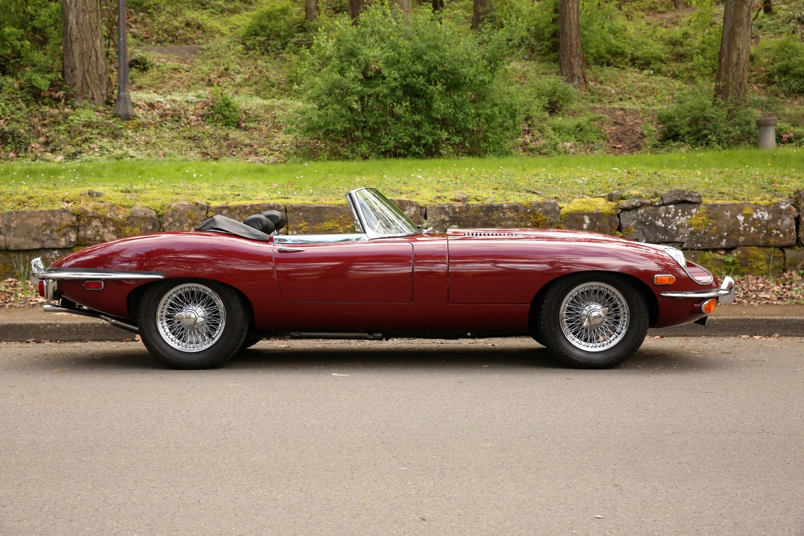 1970 e type jaguar convertible sports car shop. Black Bedroom Furniture Sets. Home Design Ideas